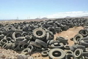 Retirada de casi 8.000 toneladas de neumáticos en el complejo ambiental de Arico (Tenerife)