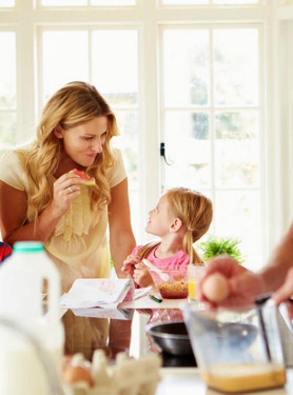 Lo que 'jamás' debes dar a tu hijos para desayunar