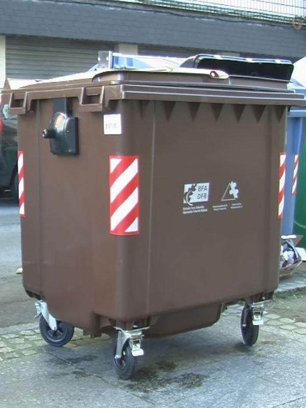 Una carpa informativa recorrerá los barrios de Barakaldo para animar a los vecinos a sumarse al contenedor marrón