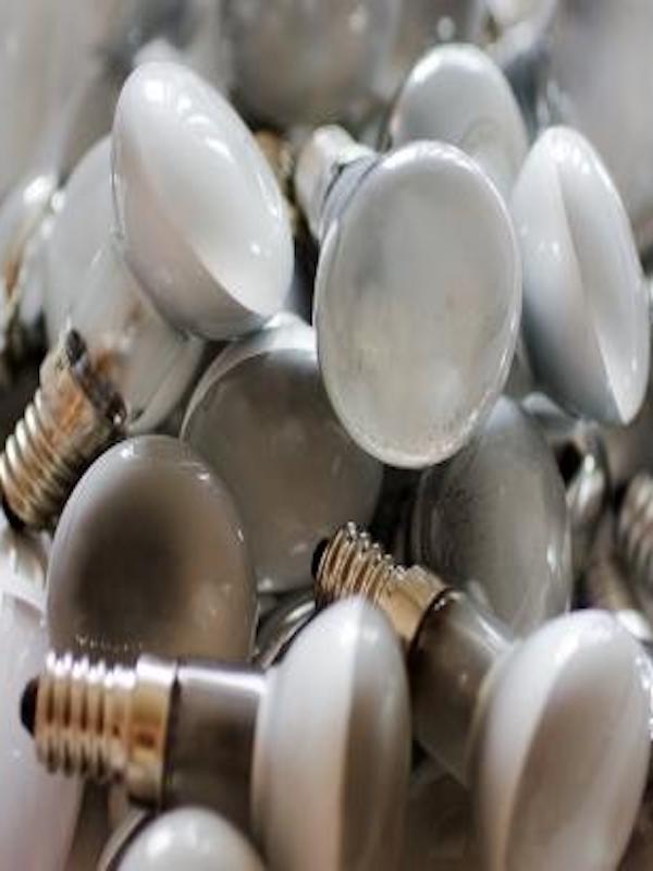 EucoLight celebra el reciclaje de 2.000 millones de bombillas en toda Europa