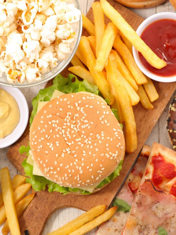 Ojito con los alimentos procesados y la salud de tus riñones