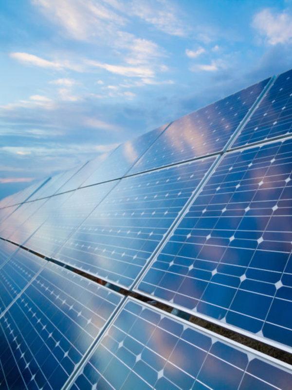 Exigen a la Junta de Andalucía un desarrollo 'sensato' de las instalaciones fotovoltaicas en Málaga