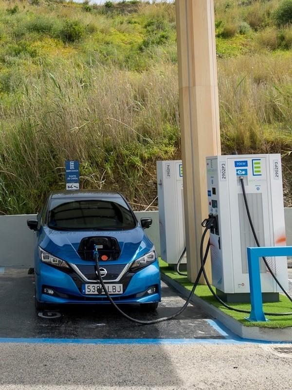 La Estación de Servicio GALP de Estepona y permitirá que con una recarga de 15 minutos el vehículo eléctrico recorra 160 km