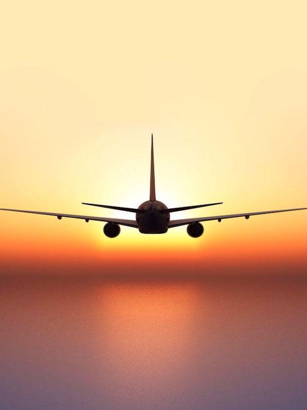 Europa propone un plan para alcanzar cero emisiones netas de CO2 en la aviación para 2050
