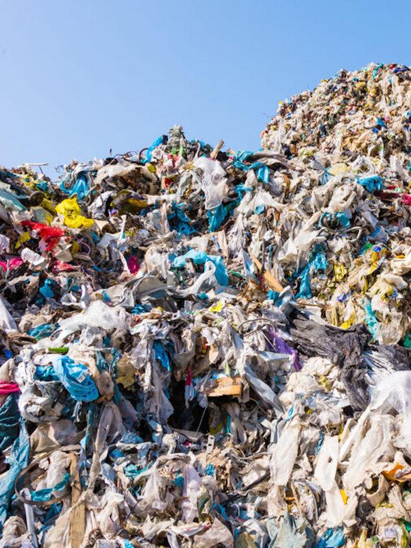 Cada ciudadano español genera menos residuos que la media de EUROPA