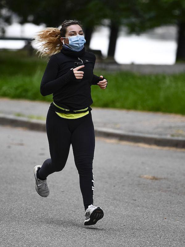 Los corredores deberán usar mascarilla en Navarra si no hay distancia de seguridad de 1,5 metros