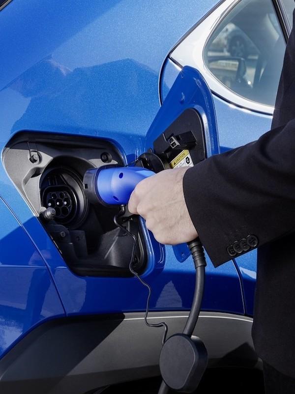 Malas noticias. España confirma el objetivo de equiparar de forma paulatina el diésel y la gasolina