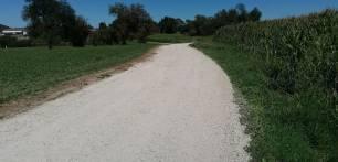 Cantabria refuerza la red de caminos rurales de Escalante con la mejora de viales