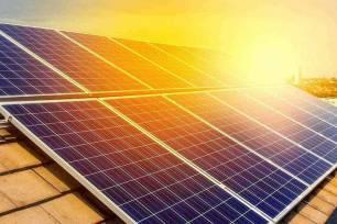 El Ayuntamiento de València bonificará hasta un 50% el IBI de las viviendas que incorporen placas fotovoltaicas