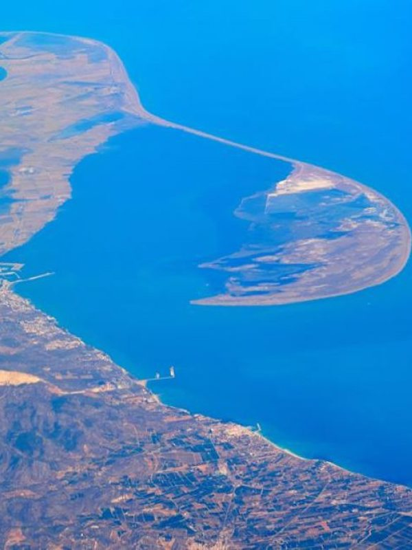 Alternativas para mejorar el transporte de sedimentos a lo largo del bajo Ebro