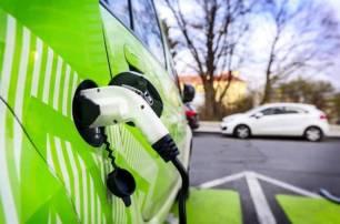 La provincia de Cáceres 'implementará' más de 50 puntos de recarga para coches eléctricos