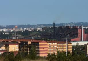 Asturias. Cuando por fin se reducen las partículas se dispara el peligroso tolueno
