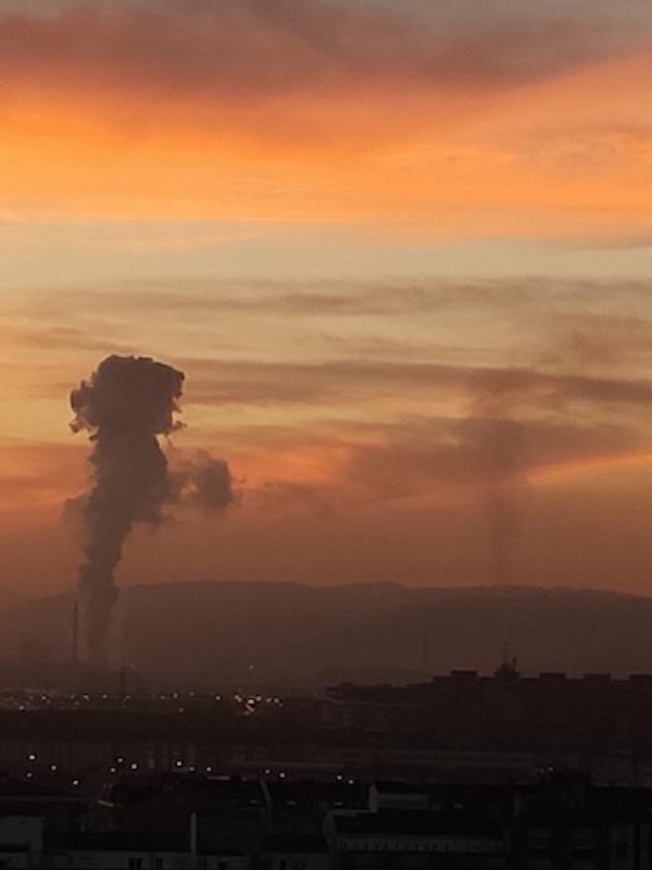 Asturias. Hasta diluviando sigue disparada la contaminación en Gijón