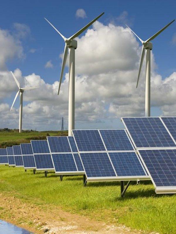Urbas quiere impulsar alianzas en energías renovables en Cuba