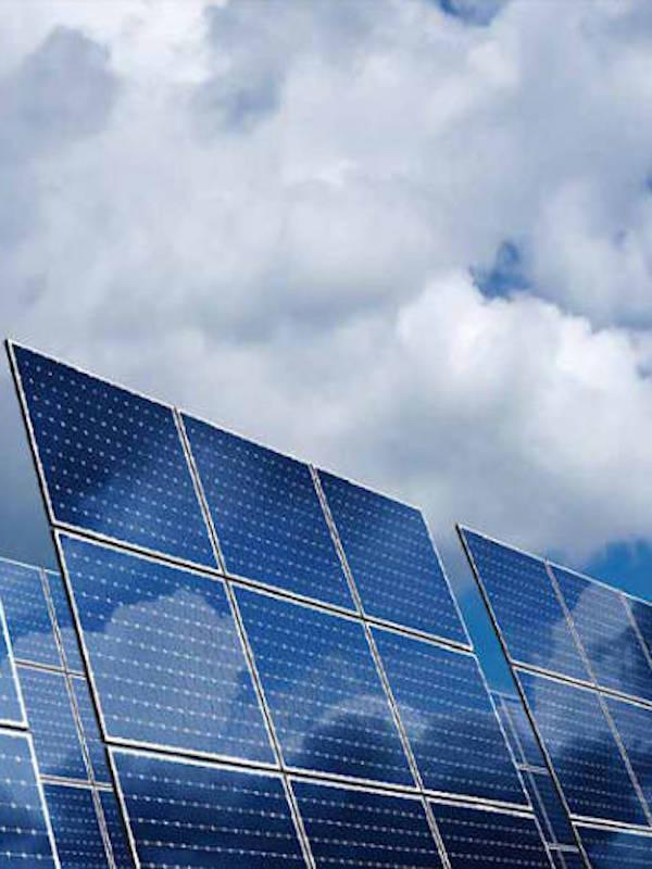 Presentación del Informe Anual de UNEF 2020 (energía solar)