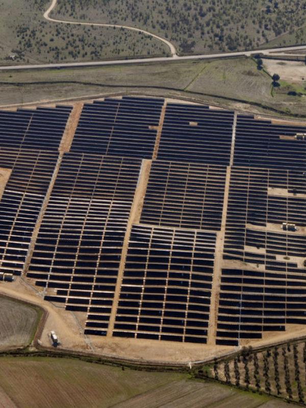 El BEI financia con 54 millones siete plantas fotovoltaicas de Solaria que suman 261 MW de capacidad
