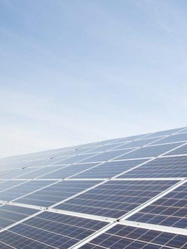 Innovador sistema fotovoltaico doméstico para abastecer de energía a los datos en la nube