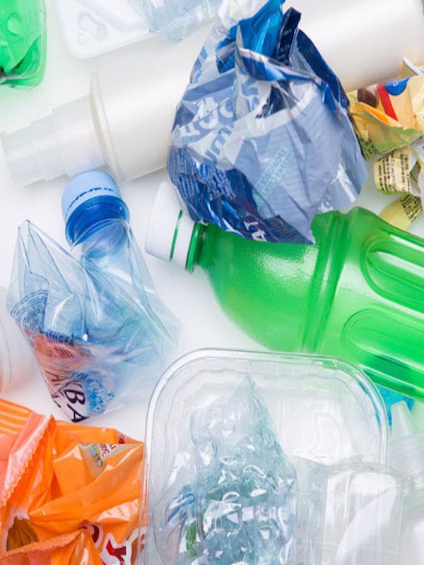 La mala gestión de los residuos de envases cuesta a los españoles hasta casi 800 millones de euros anuales