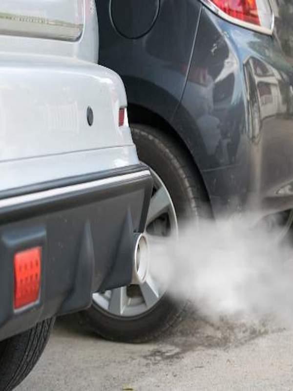 Prohibir los coches contaminantes en el centro de las ciudades