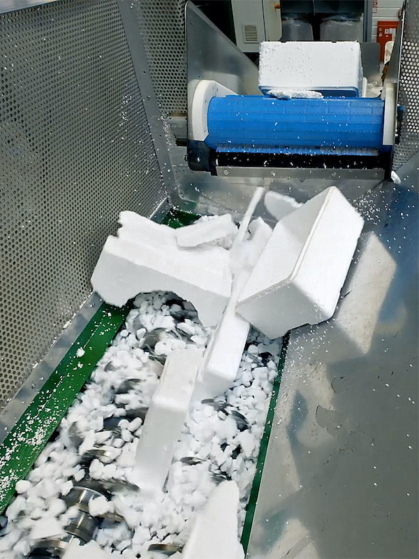 Knauf Industries lanza R'KAP® y CELOOPS®, nuevos materiales fabricados al 100% con plástico reciclado