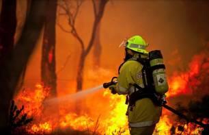 Activos 19 de los 35 incendios forestales provocados en un día en Cantabria