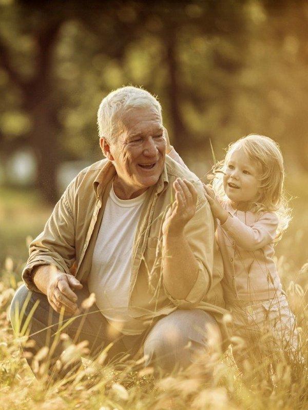 Los abuelos son 'básicos' en una dieta saludable para tus hijos