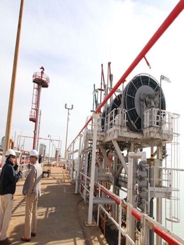 Cepsa y Puerto de Huelva en busca de las buenas prácticas medioambientales