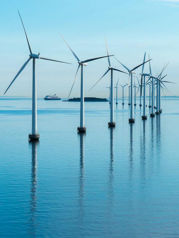 Canarias se 'mueve' para conseguir un notorio impulso de la energía eólica marina