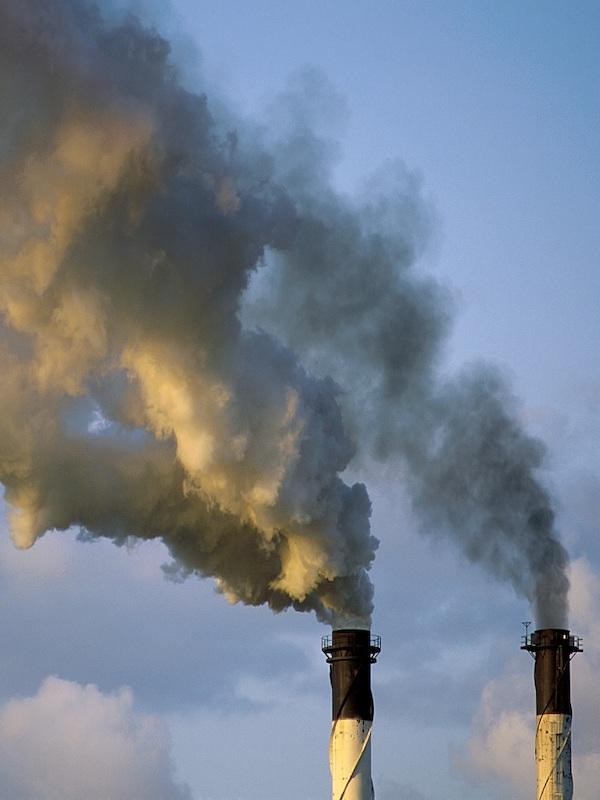 Los Tribunales condenan a Shell y le obligan a reducir drásticamente sus emisiones de CO2