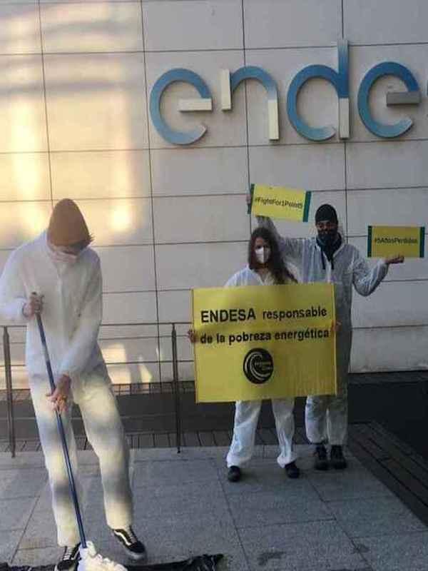 Este viernes 28 arranca el juicio contra nueve activistas del clima que denunciaron la negligencia climática de Repsol