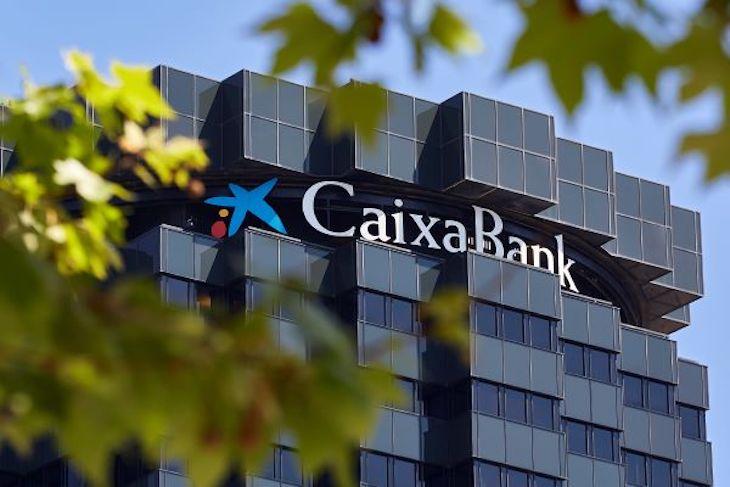 CaixaBank coloca una emisión bonos verdes por 500 millones de libras y una demanda cuatro veces mayor