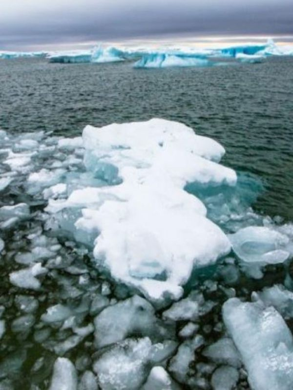 Descubren más 'agujeros' en el hielo Ártico