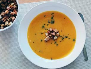 Sopa fría de calabaza y especias