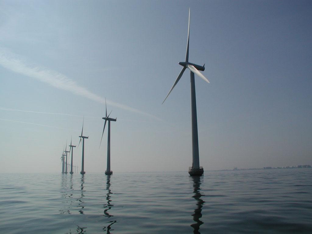 Hochtief (ACS) se alía con una firma belga para construir parques eólicos en el mar