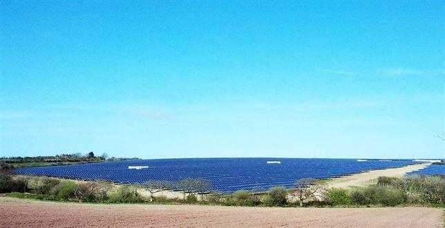 Bester Generación arranca su tercera planta fotovoltaica en Reino Unido