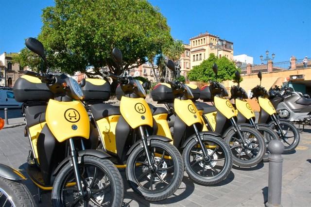 Muving inicia en Sevilla su servicio de alquiler de motos eléctricas por minutos