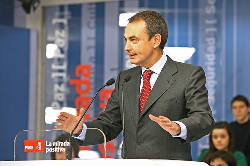 """Zapatero agota todos sus cartuchos para despejar cualquier atajo a la """"revolución de las renovables"""" de Obama"""