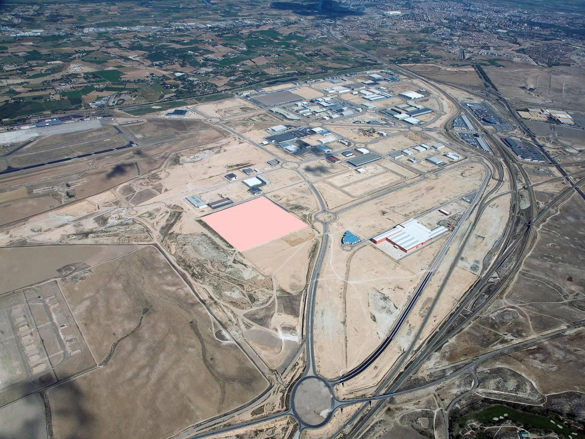PLAZA busca promotores para explotar un parking de camiones y producir energía solar en una parcela de 50.000 metros