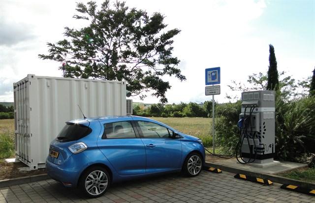 Renault y Connected Energy instalan puntos de recarga de coches eléctricos que usan baterías recicladas