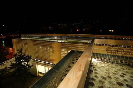 Primer edificio con cubierta vegetal destinado a educación en España
