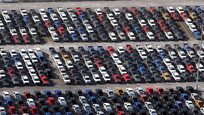 La reducción de las emisiones de los autos en Estados Unidos es perder dinero, según Trump