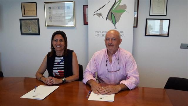 FEHM y Asinem promoverán la mejora de la red de puntos de recarga para vehículos eléctricos en hoteles de Mallorca