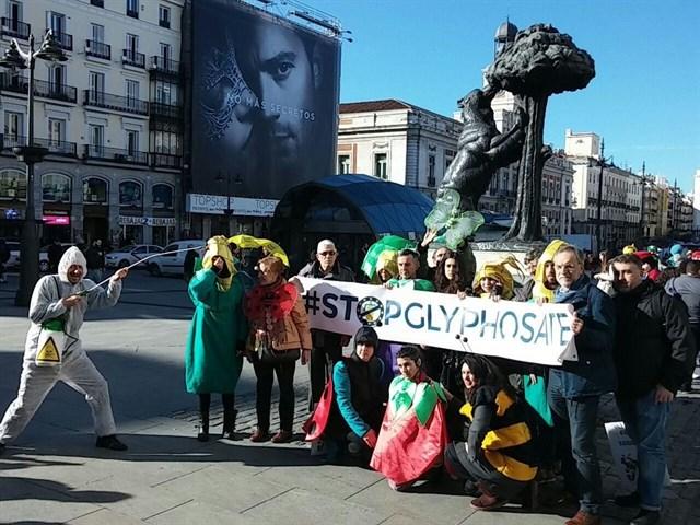 Inaceptable, Europa quiere renovar el permiso del glifosato durante diez años