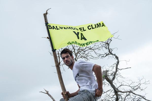 El top model Jon Kortajarena viaja con Greenpeace al país más amenazado por los impactos del cambio climático