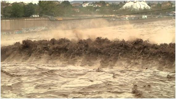 Las inundaciones crean serios riesgos de salud