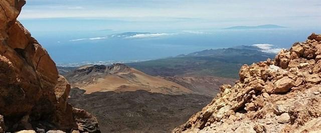 El volcán Dorsal Noroeste de Tenerife emite unas 300 toneladas diarias de CO2