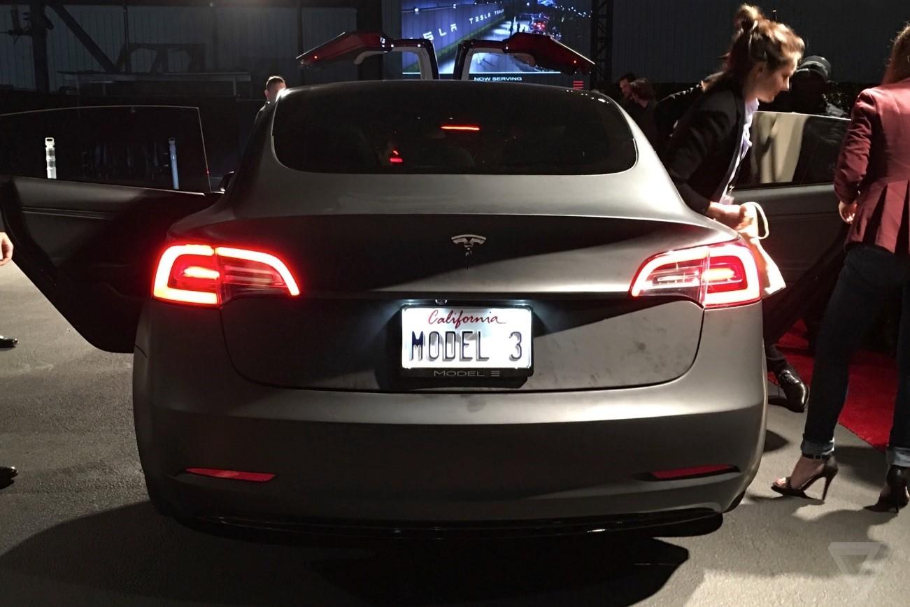 Esto es lo que querías saber del innovador Model 3 de Tesla