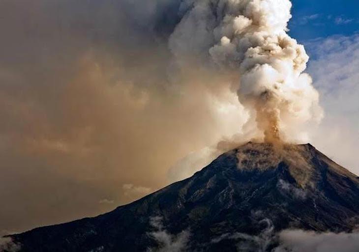 ¿Es posible desviar la lava con explosivos?
