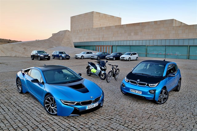 BMW vendió más de 1.200 coches electrificados en España hasta octubre