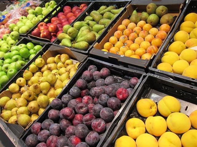 Generalitat pide al Gobierno que actúe para que Bruselas autorice la retirada de 40.000 toneladas de fruta